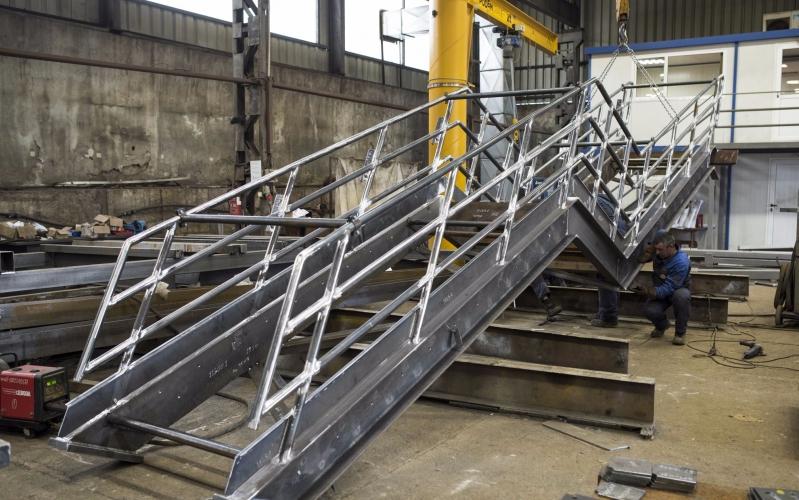 Steel Structures 4